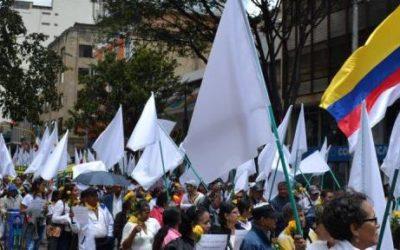 En Día por la Dignidad, víctimas del Genocidio Contra la UP se movilizan por la Paz