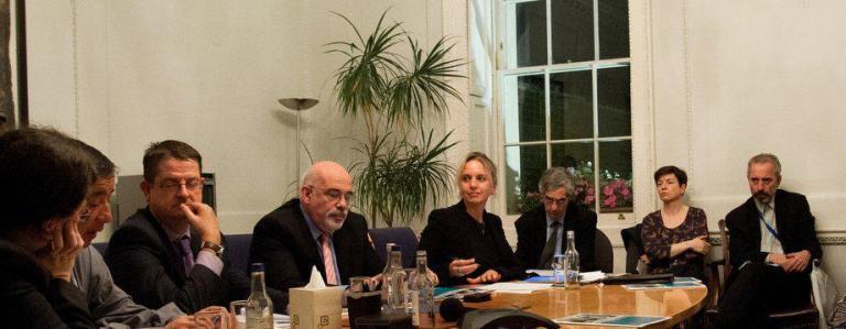 Abogados británicos dirigen carta al presidente Santos sobre situación de abogadas y abogados defensores DH en Colombia