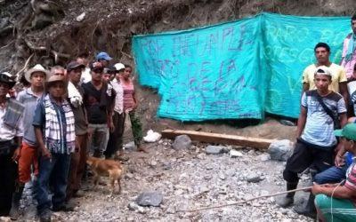 Ordenan desalojo de comunidades en Sabanalarga Antioquia y funcionario amenaza a integrantes del Ríos Vivos
