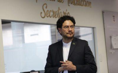 Proceso de investigación contra el exsenador Álvaro Uribe Vélez