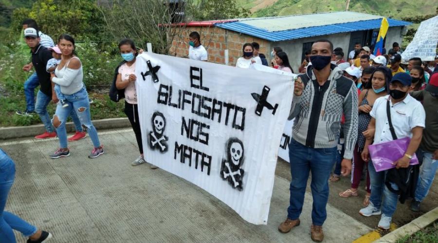 25 Organizaciones piden terminar el apoyo estadounidense a las fumigaciones aéreas con herbicidas en Colombia